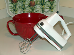 hand mixer and mixing bowl